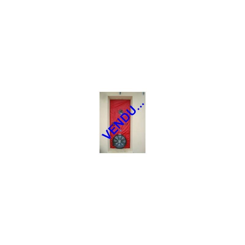"""Vue d'ensemble du matériel """"Porte Blower Door Minneapolis"""". Pour les tests d'infiltrométrie en RT2012."""