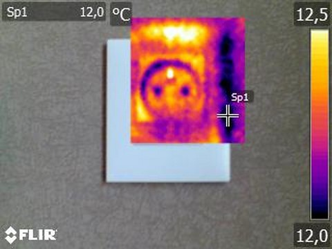Infiltration d'air sur prise électrique - Visuel caméra thermique