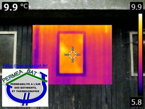 Thermographie perte d\'énergie sur une fenêtre